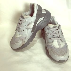 Nike Huarache toddler boy's 9 gray/silver